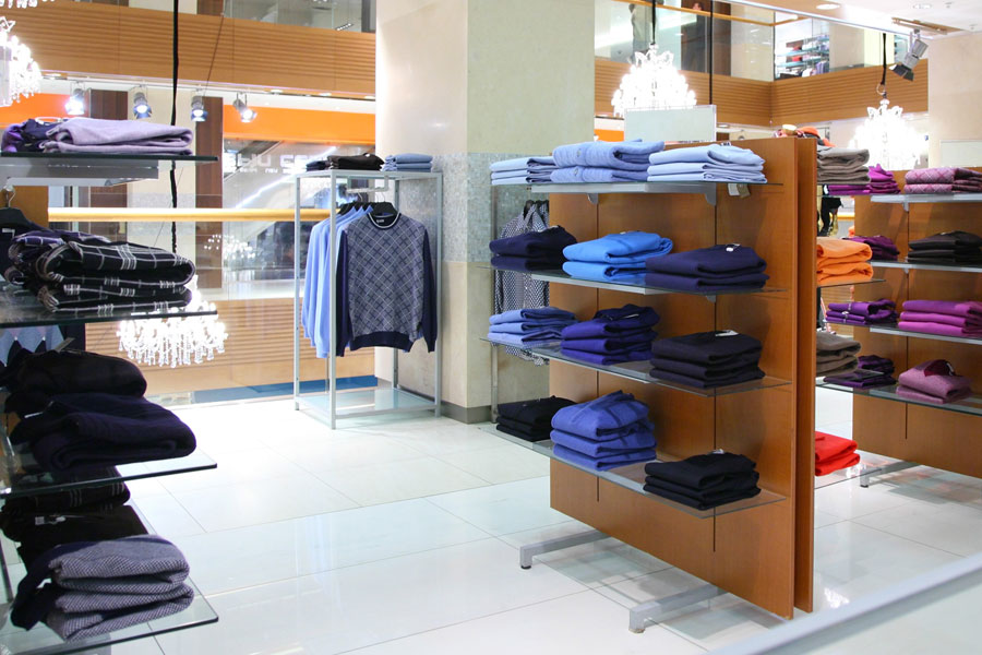 Retail clothing store commercial cleaning
